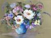 pastel-witte-bloemen-in-blauwe-vaas te koop