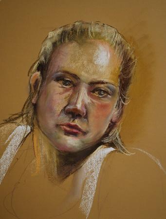 Portret studie op oker kleurig Pastel papier van een live model