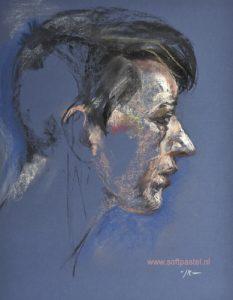 plein air pastel portret naar model 40x30cm op donkerblauw pastelpapier.
